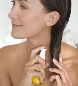 Aplicación del aceite de argán en el pelo